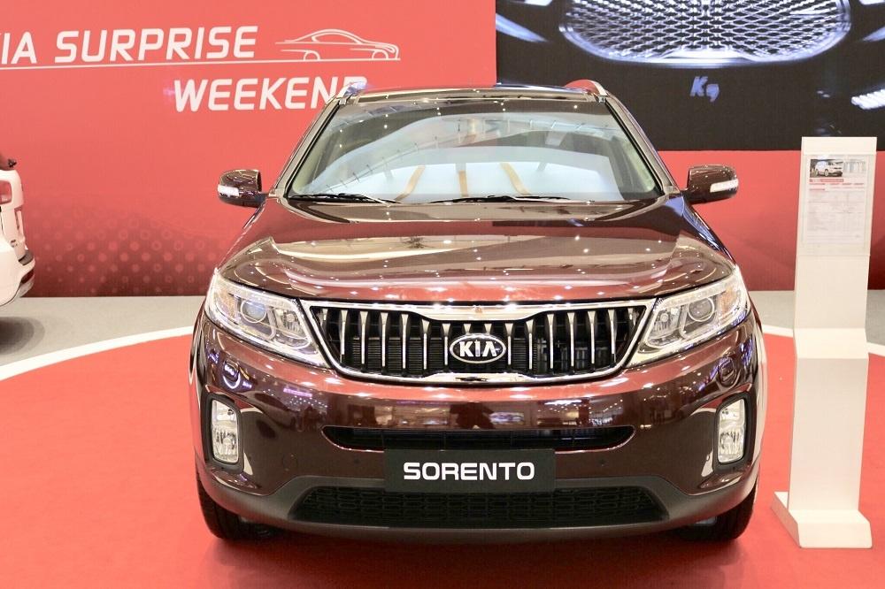 Giá xe Kia Sorento giảm đến 100 triệu đồng